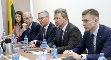 اتحاد الهيئات المحلية يوقع اتفاقية تعاون مع نظيره الليتواني